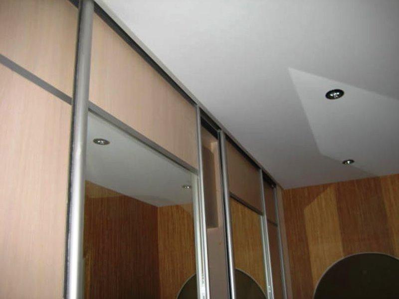 флаг подвесной потолок и шкаф купе фото разделе
