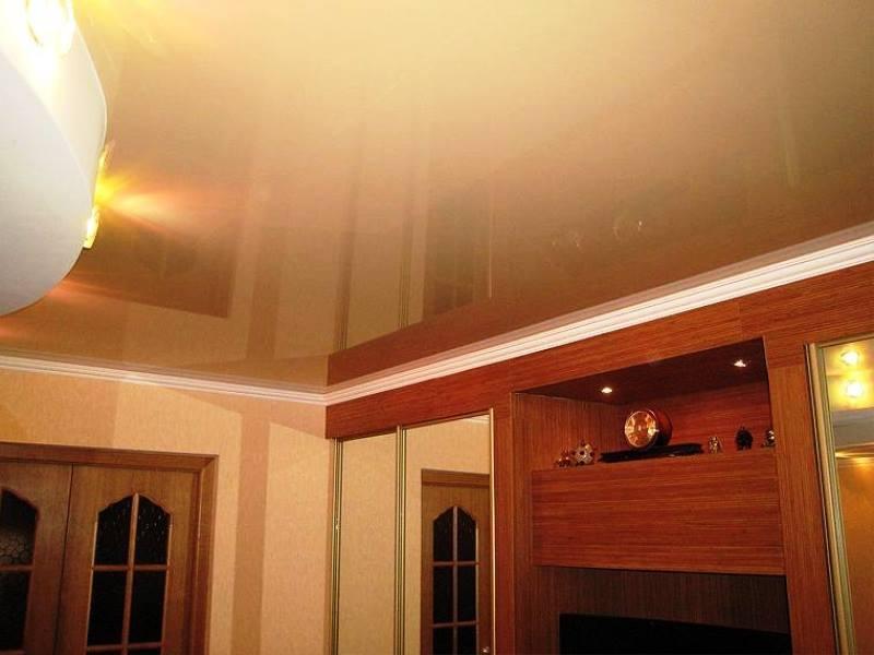 Подвесной потолок и шкаф купе фото